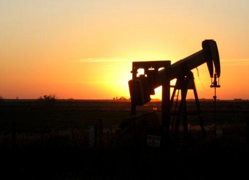 oklahoma sunset oil rig | EconAlerts