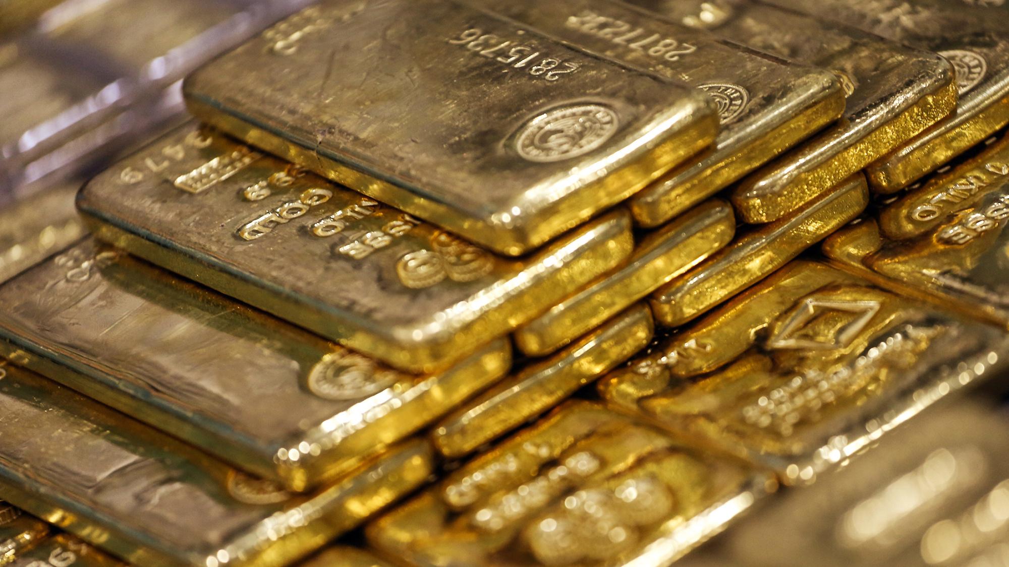 Images Of Gold Bullion   EconAlerts