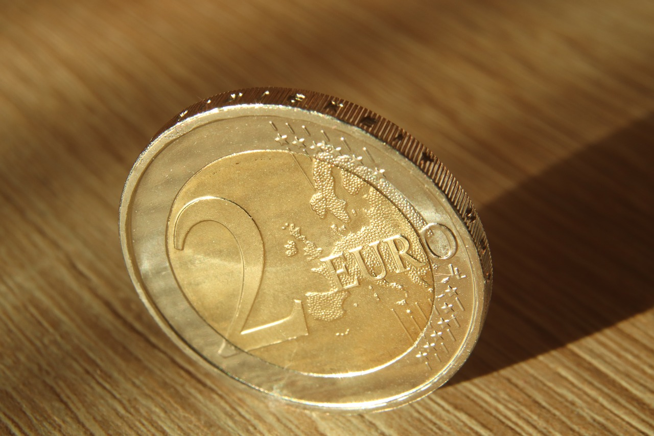 two euros | EconAlerts
