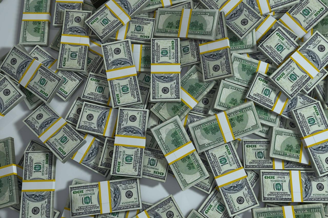 dollar stacks | EconAlerts